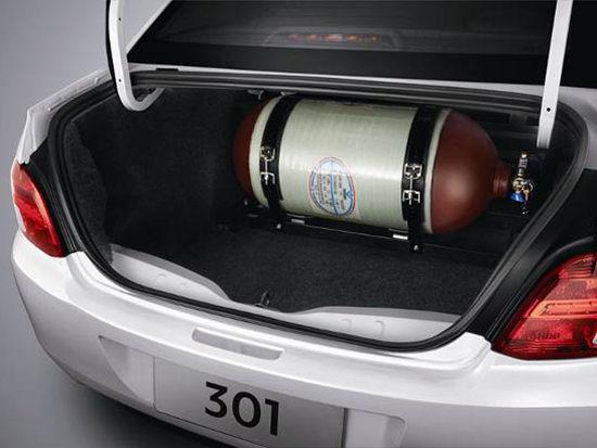 东风标致301 CNG双燃料版上市高清图片