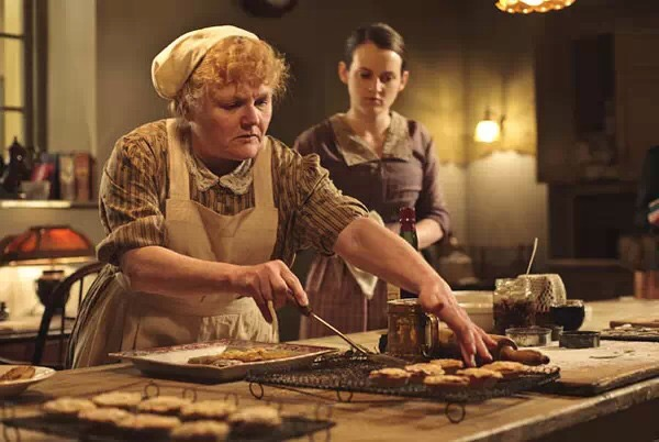 唐顿庄园淑女餐桌礼仪