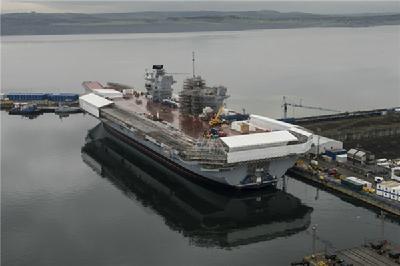 """英国方面近日公布了一组""""伊丽莎白""""级航母的最新建造进度图."""